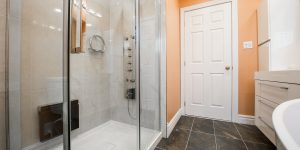bathroom-2718922_1920